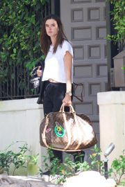 Alessandra Ambrosio Leaves Her House in Brentwood 2018/10/07 3
