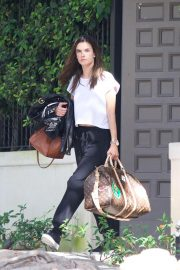 Alessandra Ambrosio Leaves Her House in Brentwood 2018/10/07 4
