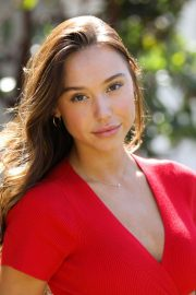 Alexis Ren at Home & Family in Universal City 2018/10/12 10
