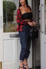 Alice Goodwin Leaves Her Home in Birmingham 2018/10/20 4