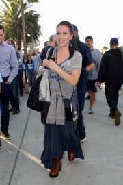 Alyssa Milano Arrives at Dodger Stadium in Los Angeles 2018/10/26 6