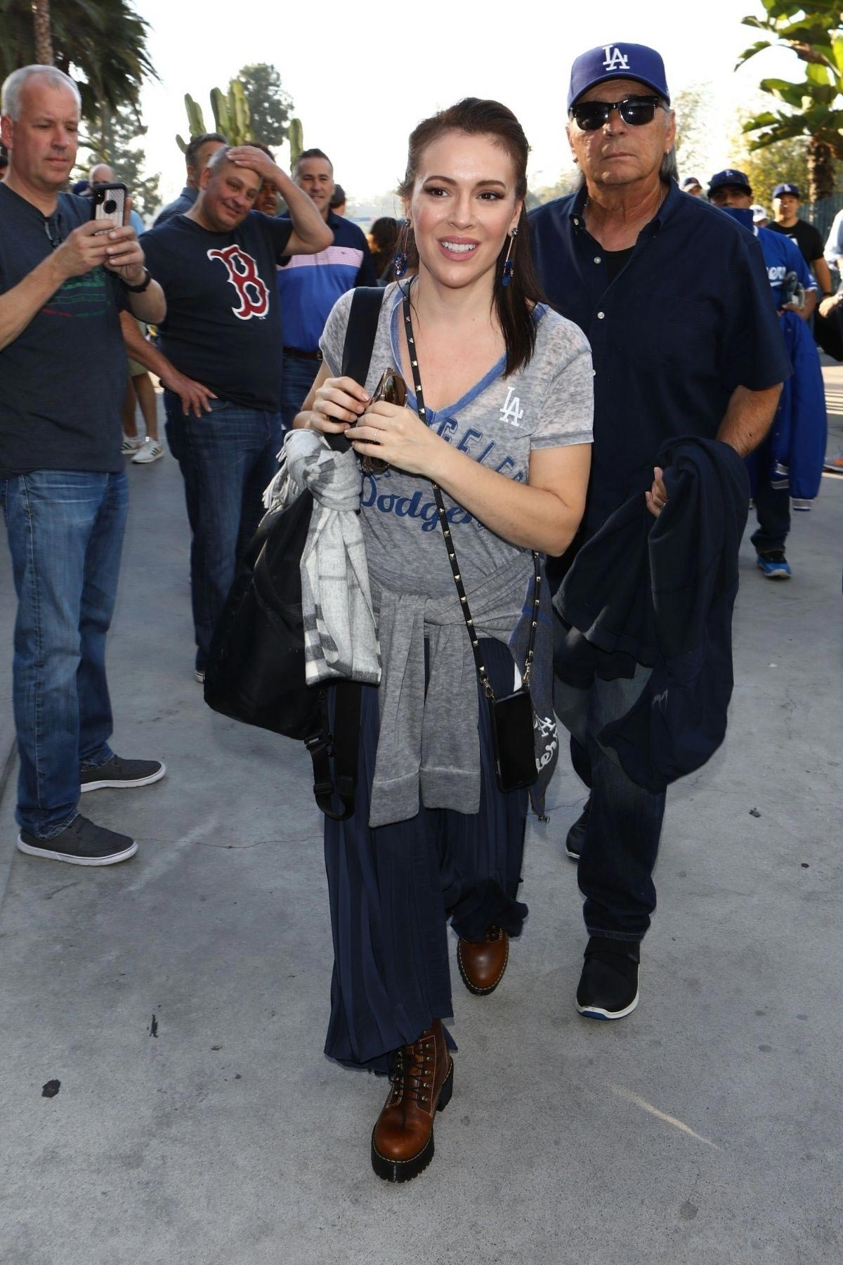 Alyssa Milano Arrives at Dodgers vs Red Sox Game in Los Angeles 2018/10/26 1