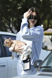 Amelia Gray Hamlin with Her Dog in Beverly Hills 2018/10/06 4