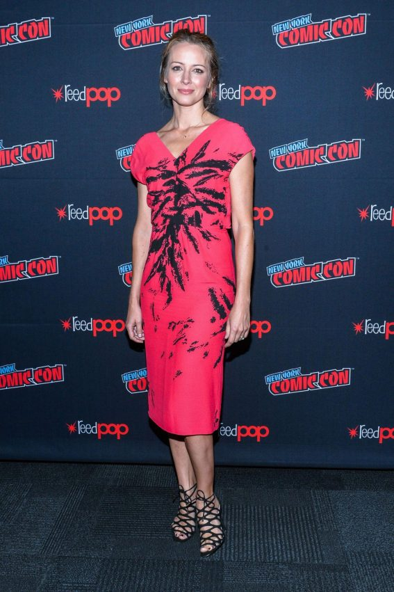 Amy Acker at New York Comic-con 2018/10/07 1
