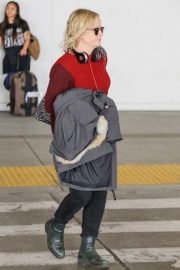 Amy Poehler at LAX Airport in Los Angeles 2018/10/24 2