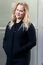 Amy Schumer on The Set of a Photoshoot in New York 2018/10/25 8