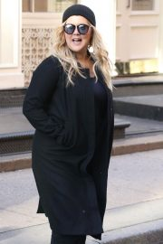 Amy Schumer on The Set of a Photoshoot in New York 2018/10/25 12