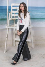 Anna Brewster at Chanel Show at Paris Fashion Week 2018/10/02 3
