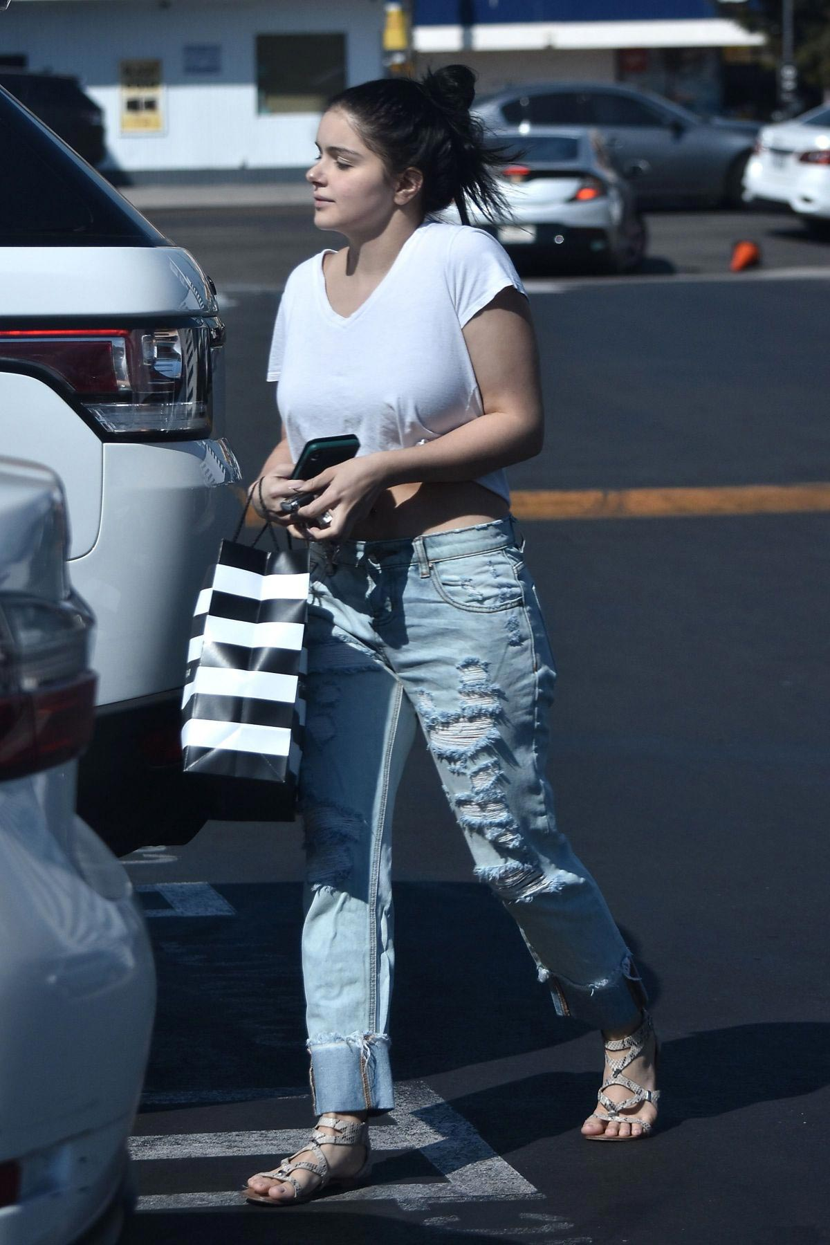 Ariel Winter Shopping at Sephora in Los Angeles 2018/10/05 1