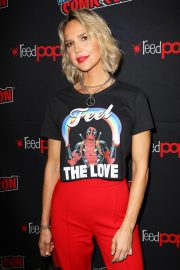Arielle Kebbel at New York Comic-con 2018/10/07 9