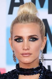 Ashlee Simpson at American Music Awards in Los Angeles 2018/10/09 3