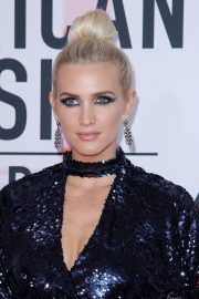 Ashlee Simpson at American Music Awards in Los Angeles 2018/10/09 8