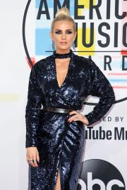 Ashlee Simpson at American Music Awards in Los Angeles 2018/10/09 10
