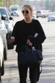 Ashlee Simpson Leaves a Gym in Studio City 2018/10/08 7