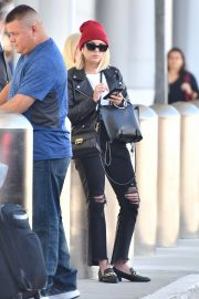 Ashley Benson at LAX Airport in Los Angeles 2018/10/05 4
