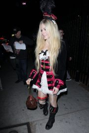 Avril Lavigne at Halloween Party in West Hollywood 2018/10/27 6