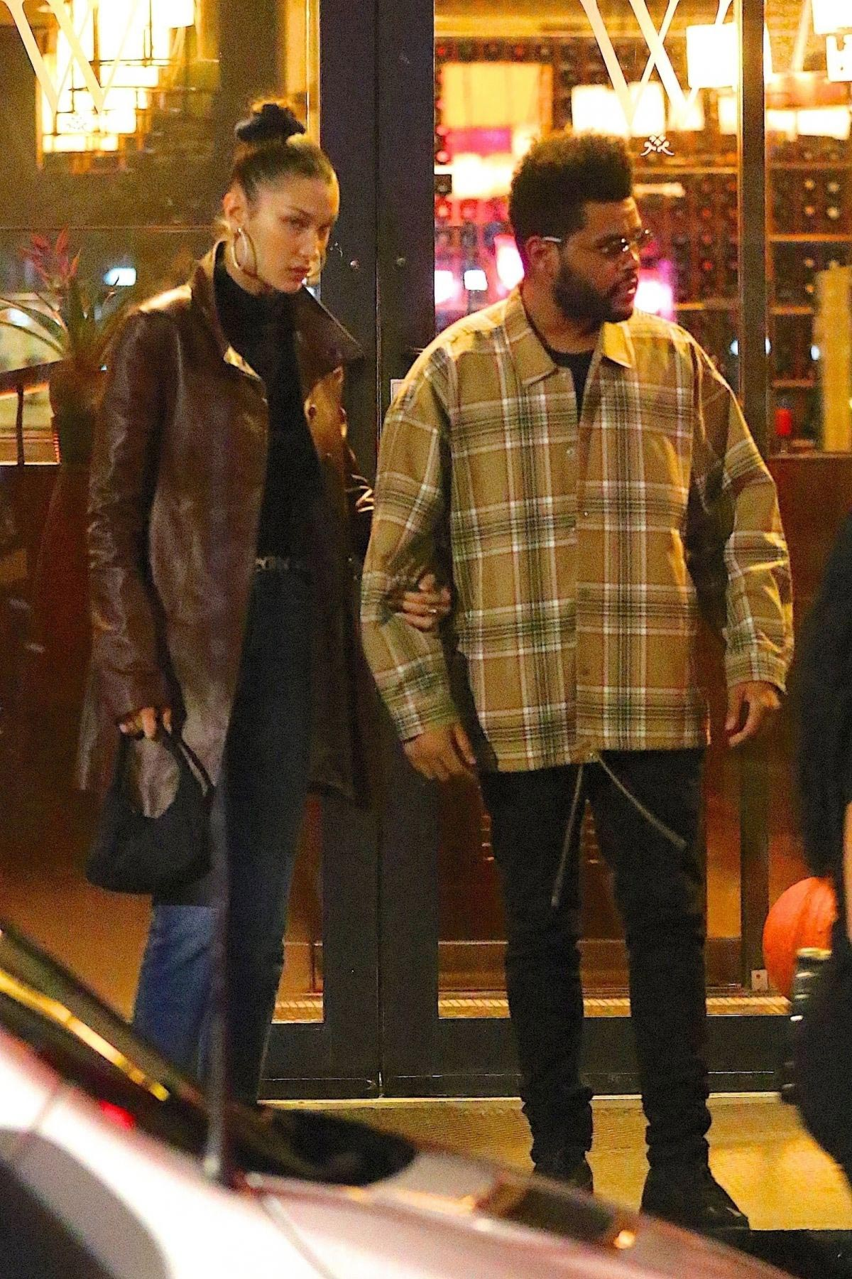 Bella Hadid and The Weeknd Out in New York 2018/10/10 1
