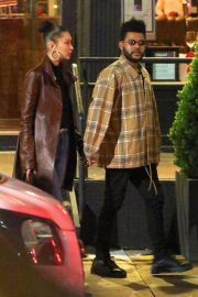 Bella Hadid and The Weeknd Out in New York 2018/10/10 9