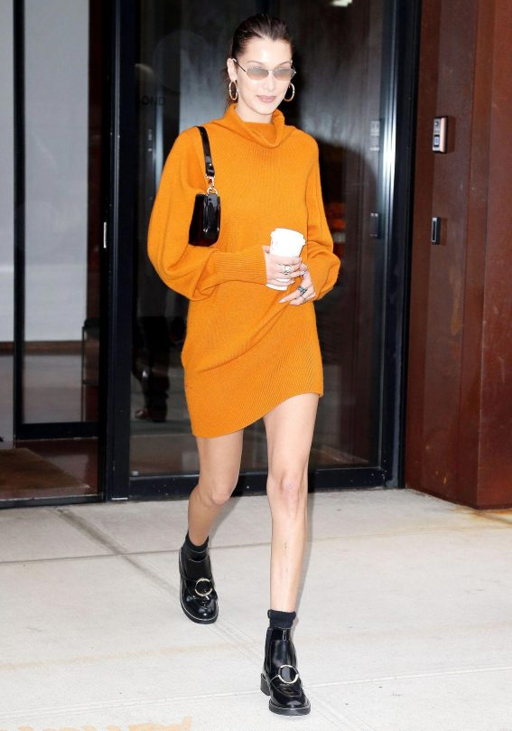 Bella Hadid Out in New York 2018/10/08 1