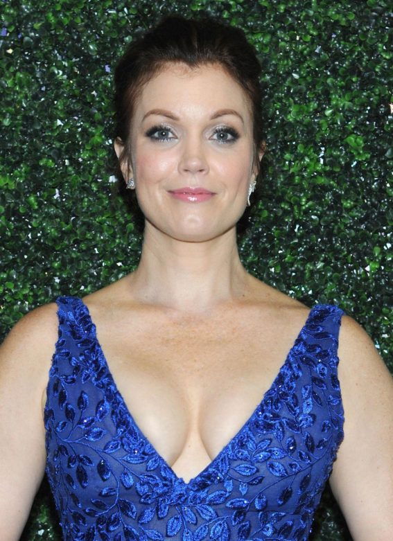 Bellamy Young at Farm Sanctuary on the Hudson Gala in New York 2018/10/04 1
