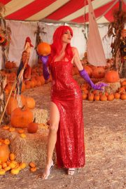 Blanca Blanco as Jessica Rabbit at a Pumpkin Patch in Los Angeles 2018/10/22 3