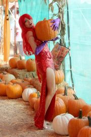 Blanca Blanco as Jessica Rabbit at a Pumpkin Patch in Los Angeles 2018/10/22 6
