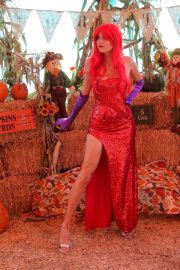 Blanca Blanco as Jessica Rabbit at a Pumpkin Patch in Los Angeles 2018/10/22 7