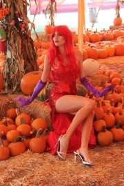 Blanca Blanco as Jessica Rabbit at a Pumpkin Patch in Los Angeles 2018/10/22 11