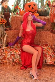 Blanca Blanco as Jessica Rabbit at a Pumpkin Patch in Los Angeles 2018/10/22 18