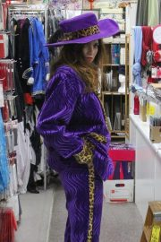 Blanca Blanco Searches for Halloween Costume in Los Angeles 2018/10/25 2
