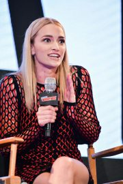 Brianne Howey at The Passage Panel at New York Comic-con 2018/10/06 2
