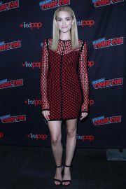Brianne Howey at The Passage Panel at New York Comic-con 2018/10/06 7