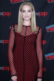 Brianne Howey at The Passage Panel at New York Comic-con 2018/10/06 8