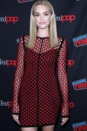 Brianne Howey at The Passage Panel at New York Comic-con 2018/10/06 10