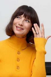 Caitriona Balfe at Outlander Press Conference in Beverly Hills 2018/10/08 2