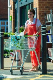 Candice Brown Out Shopping in Essex 2018/09/28 1