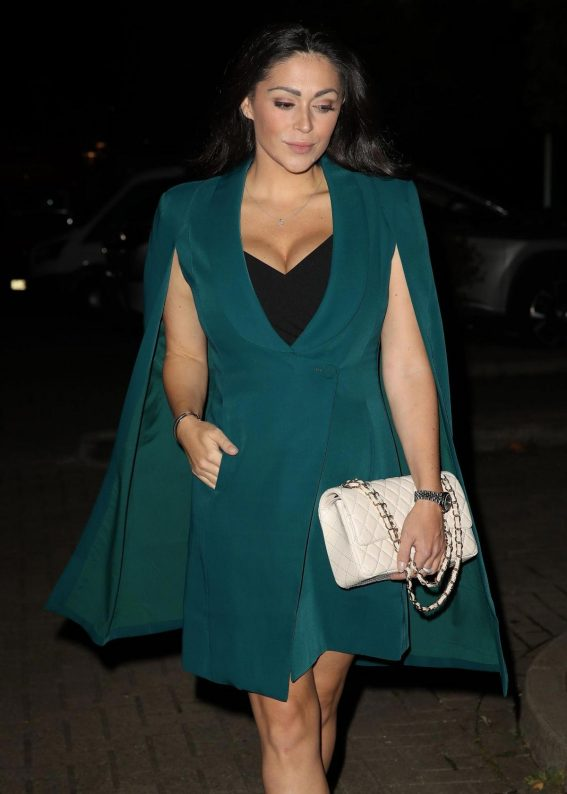 Casey Batchelor Out for Dinner in Camden 2018/10/13 1