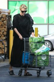 Charlize Theron at Grocery Store in Los Angeles 2018/09/29 6