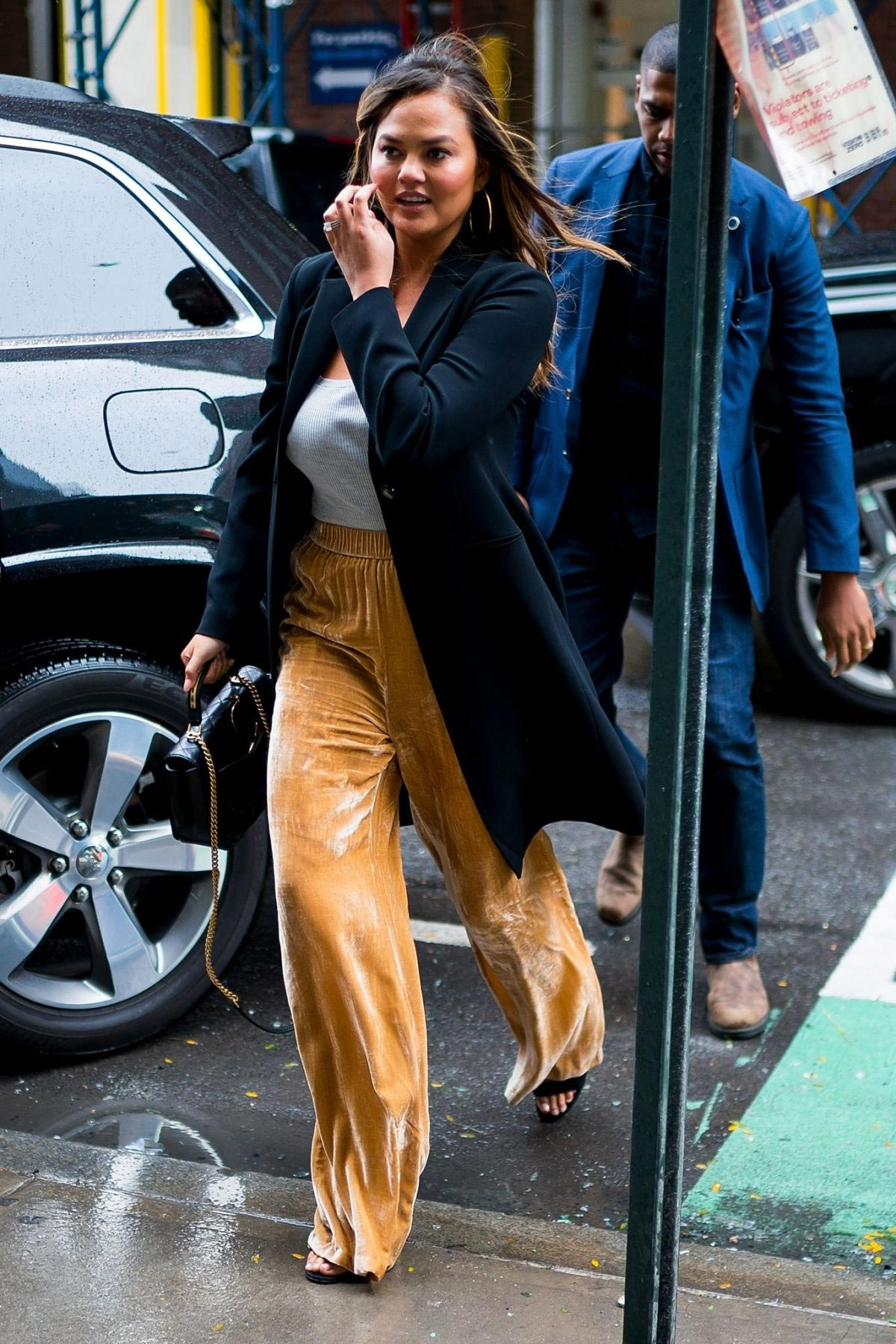 Chrissy Teigen Out and About in New York 2018/10/13 1