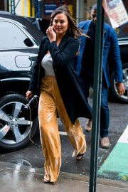 Chrissy Teigen Out and About in New York 2018/10/13 15