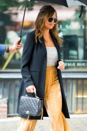 Chrissy Teigen Out in Little Italy in New York 2018/10/13 7