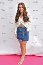 Dani Dyer Launch Her Clothing Collaboration with In The Style in London 2018/10/03 4