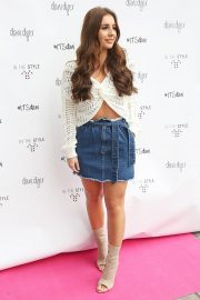 Dani Dyer Launch Her Clothing Collaboration with In The Style in London 2018/10/03 9