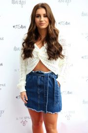 Dani Dyer Launch Her Clothing Collaboration with In The Style in London 2018/10/03 10