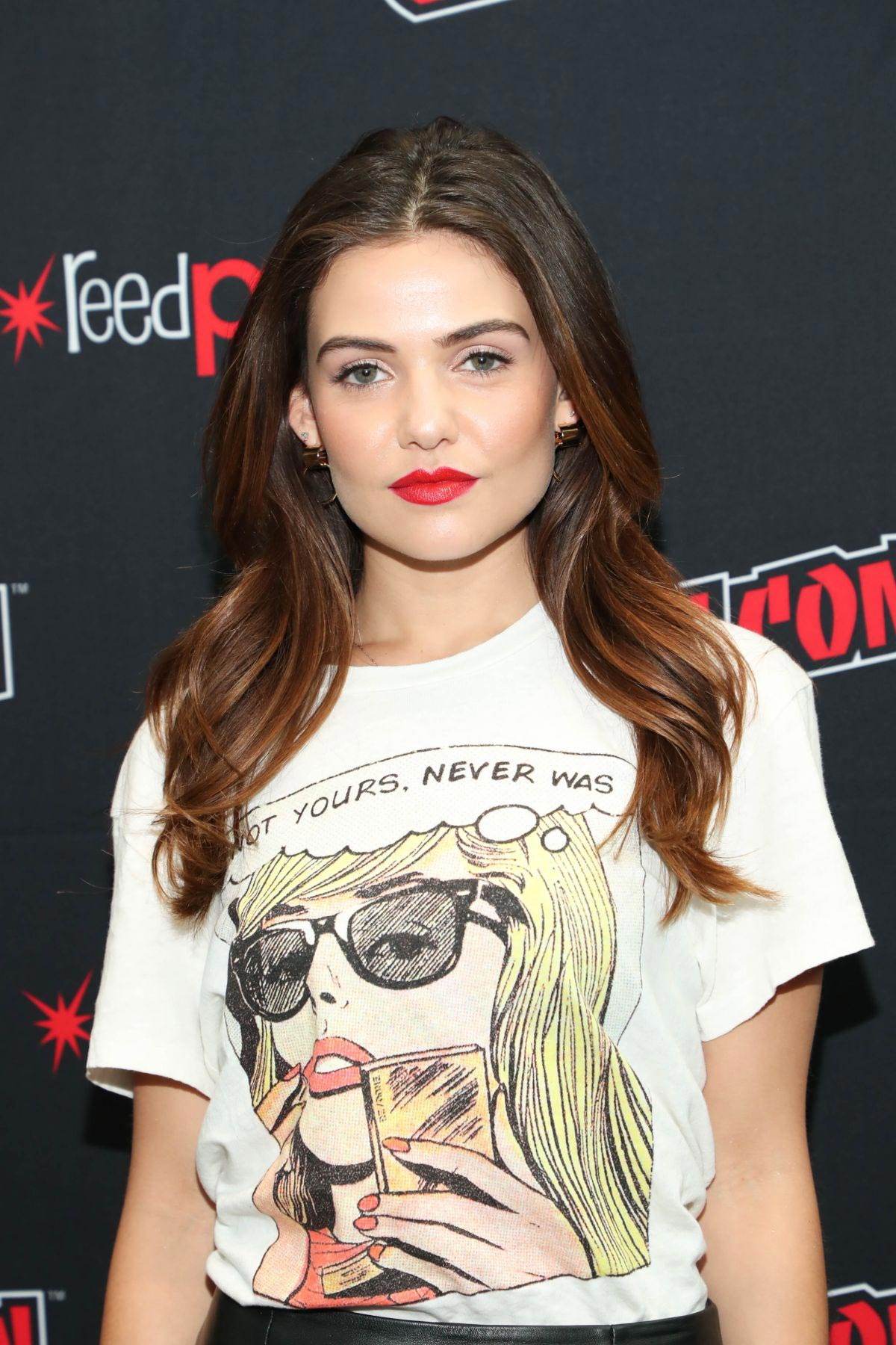Danielle Campbell at Tell Me A Story Panel at New York Comic-Con 2018/10/05 1