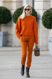 Devon Windsor Out and About in Paris 2018/10/01 7
