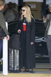 Dianna Agron and Marshall Winston at LAX Airport in Los Angeles 2018/09/30 4