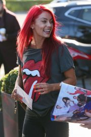 Dianne Buswell Heading to Strictly Come Dancing in London 2018/09/29 4