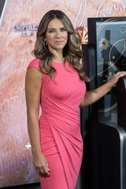 Elizabeth Hurley at Empire State Building in Honor of Estee Lauder's 2018 Breast Cancer Campaign 2018/10/01 3