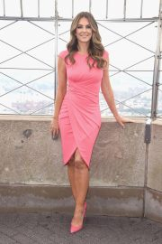Elizabeth Hurley at Empire State Building in Honor of Estee Lauder's 2018 Breast Cancer Campaign 2018/10/01 5